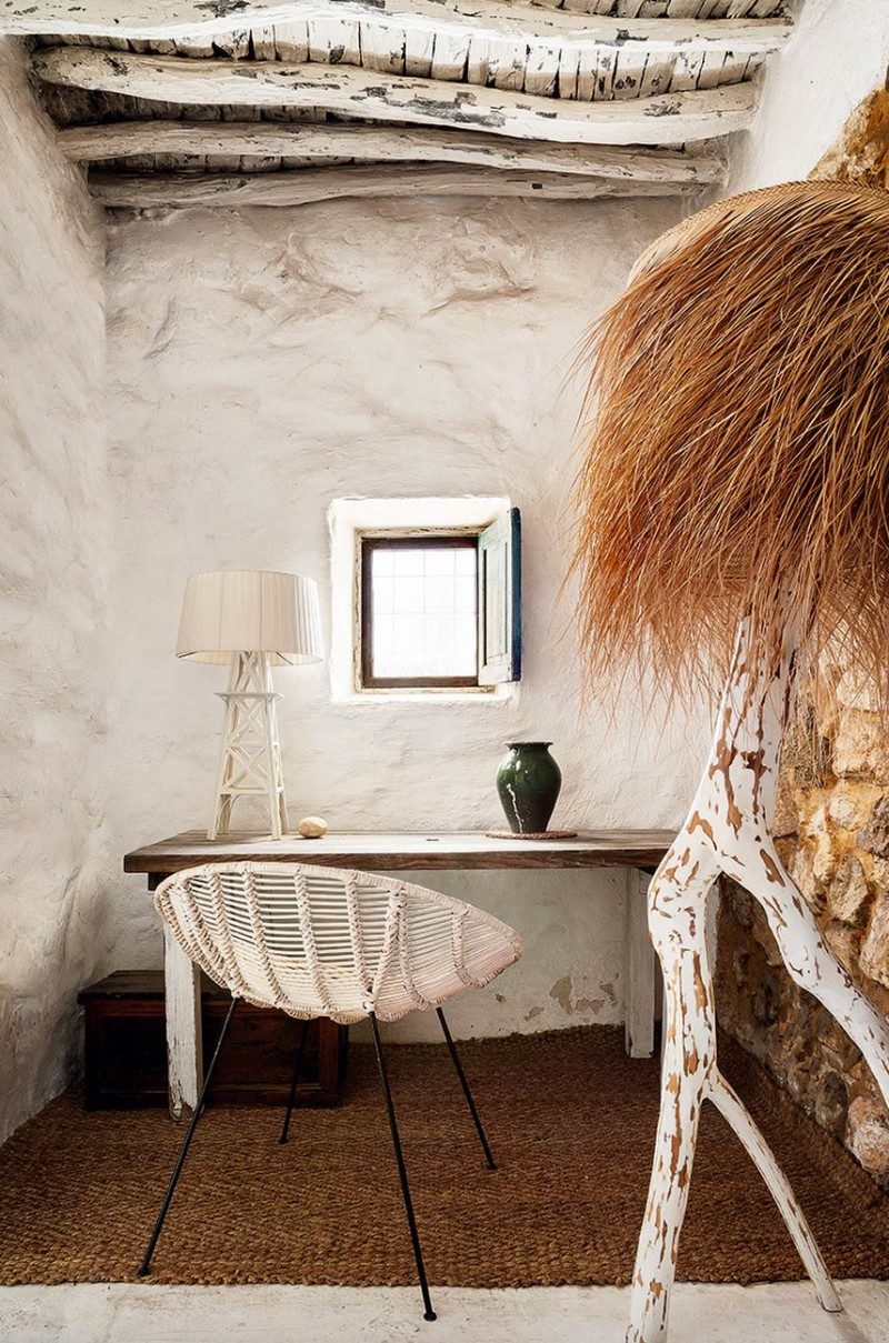 400-year-oldcave-home-ibiza-06-800x1209