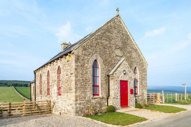 the-chapel-on-the-hill-a-boutique-chapel-conversion-evolution-design-designboom-11