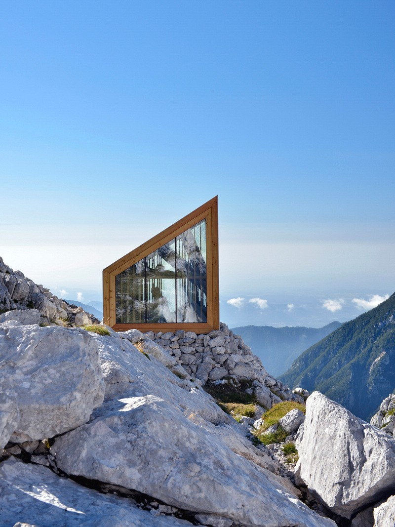 Slovenia mountaineers shelter skuta cabin a blog for Mountain home architects