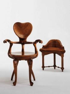 Antonio_Gaudi_-_Calvet_Chair[1]
