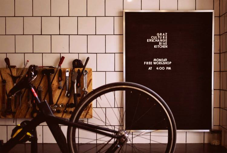 6 Bike-Shop-and-Cafe